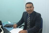 Charles Meireles indica reforma de escola na comunidade de Bom Fim