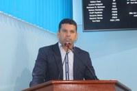 Markson fala da situação do Terminal Hidroviário e apresenta parabenização para todos professores de Manicoré