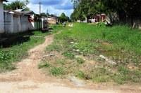 Moradores do Bairro de Manicorezinho reclamam de ruas esburacadas e esgoto a céu aberto