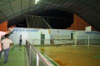 Quadra Poliesportiva orçada em mais de 500 mil reais da Escola Municipal Aristeu Virgolino Desaba durante temporal em Manicoré