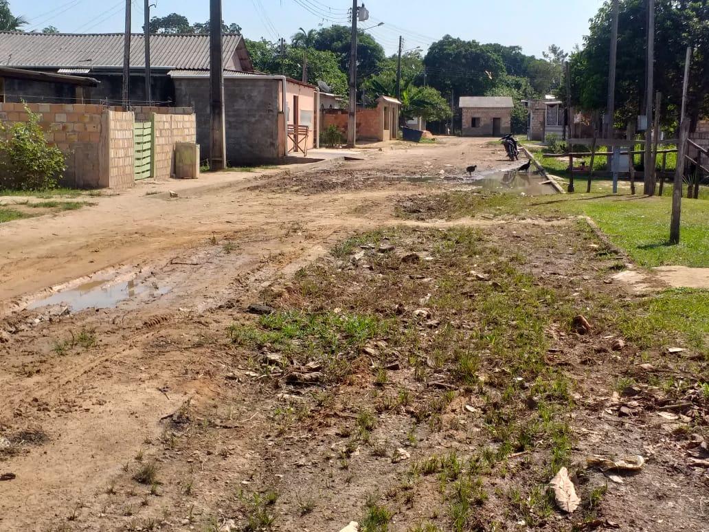 Socorro Torres solicita melhorias na rua José Pedraça no bairro Santo Antônio